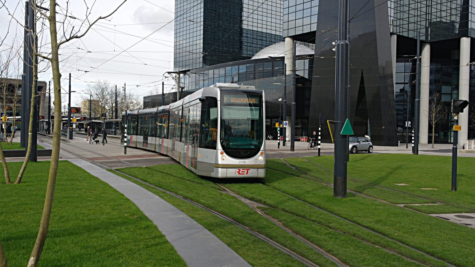 Citadis 2148 RET Stationsplein Rotterdam - 3 Real Life Use Cases for IOTA (MIOTA) That Are Right Around The Corner
