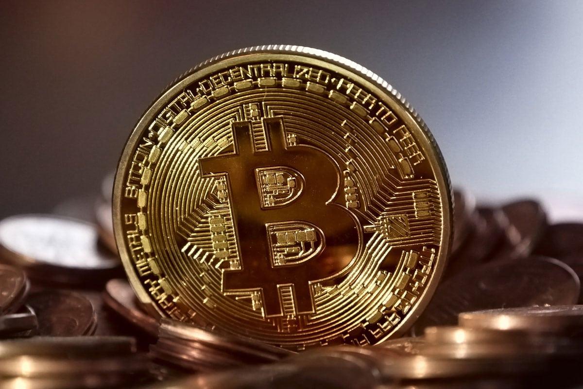 bitcoin btc - Bitcoin (BTC) Could Drop Below $1,000 In 2019, According To Geoffrey Caveney