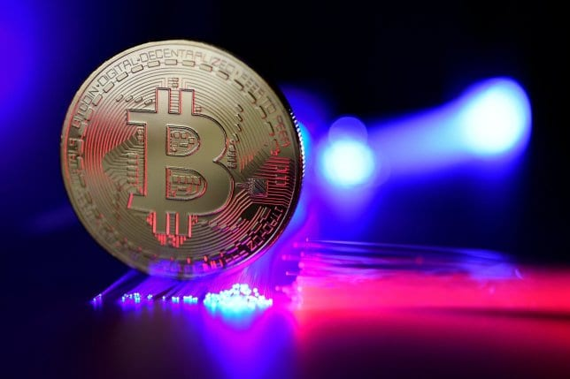 Bitcoin Price Falls Under 10000 As Ethereum Ripples XRP And Litecoin Turn Red - Bitcoin (BTC) Is Reportedly Getting Ready To Race Towards $30,000