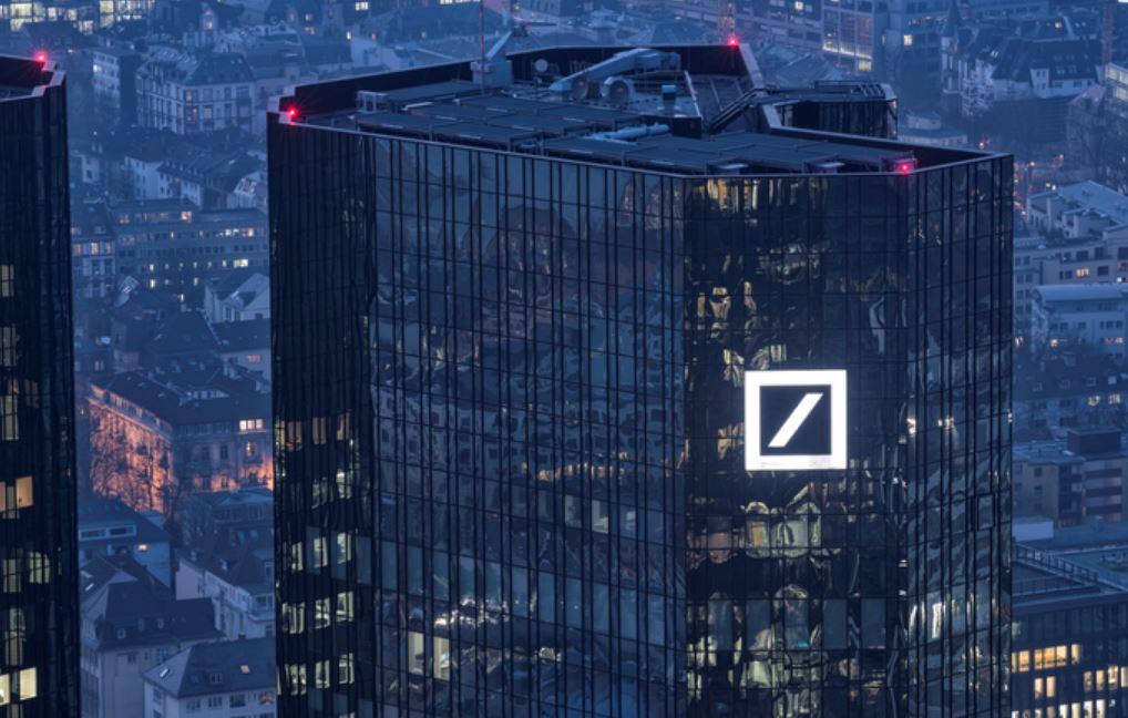 """deutsche bank bonuses 567 - Deutsche Bank Warns Of """"Zombie Market"""" – Bitcoin Is The Only Free Money"""