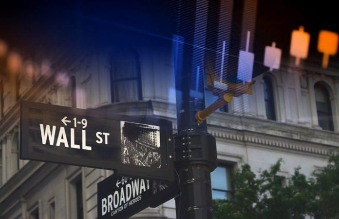 Wall Street Investors Are Actively Swapping Bitcoin Futures For Physical BTC 696x449 1 - Wall Street Is Buying Bitcoin Despite Goldman Sachs Warning