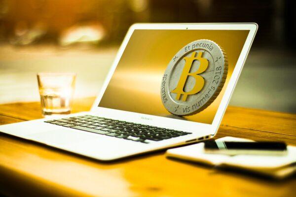 Bitcoin And Altcoins Price: Bulls Around The Corner?